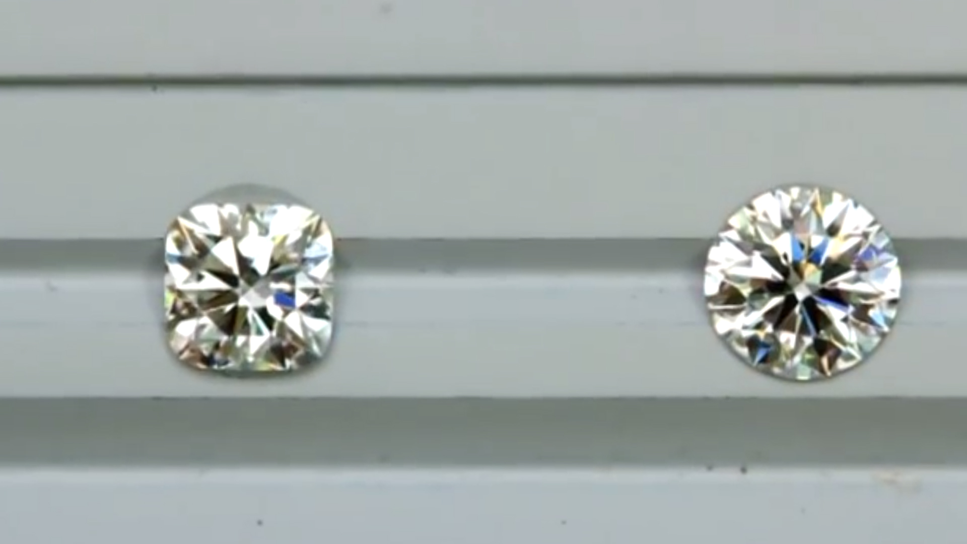 JannPaul: Comparing Signature Cushion Brellia with Signature Super Ideal Round Diamond