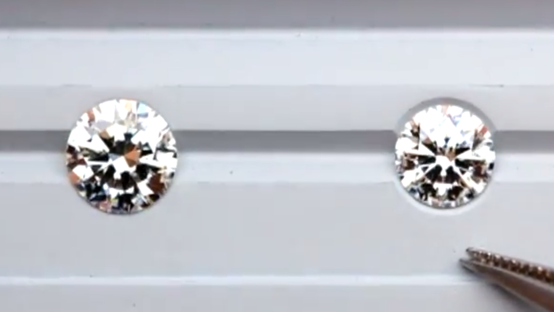 JannPaul: Comparing Common Ideal Round, Signature Super Ideal and Brilliant Lady 21 Diamonds